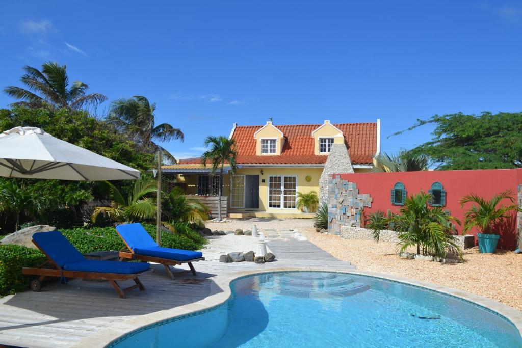 The swimming pool at or near Casa Indari