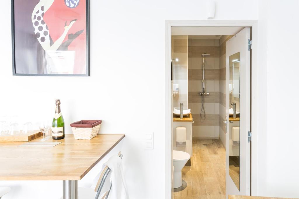 Apartment 1stays Studio Marlot Reims France Booking Com