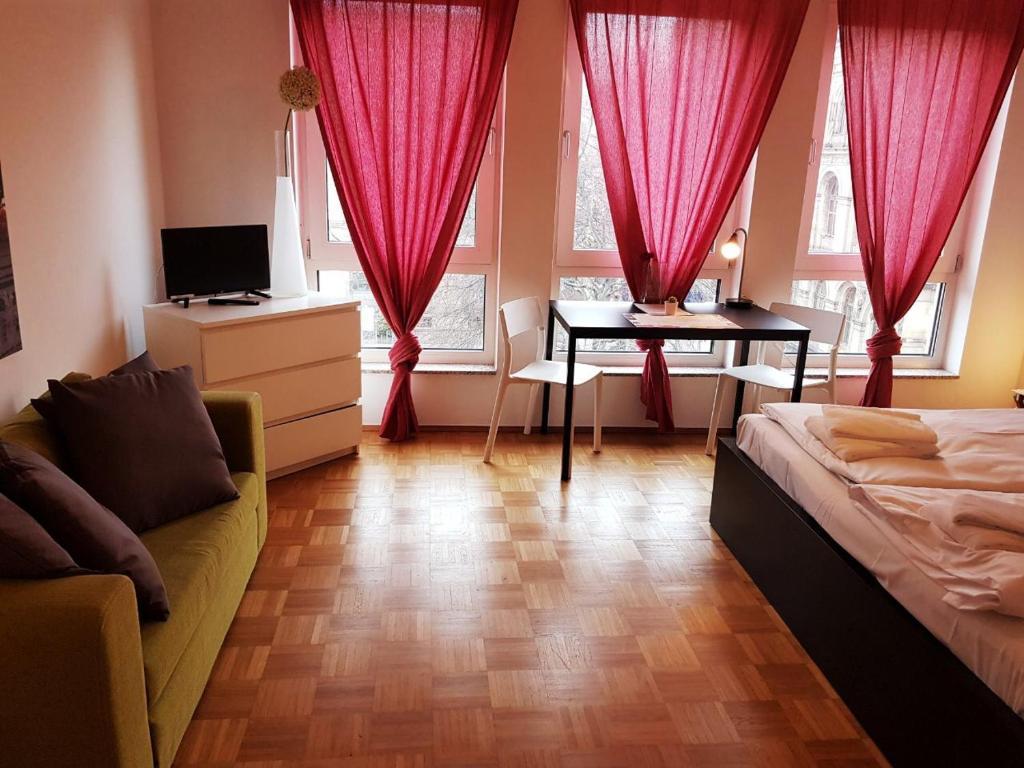 Ruang duduk di Berlin Holiday Apartments near Central Station