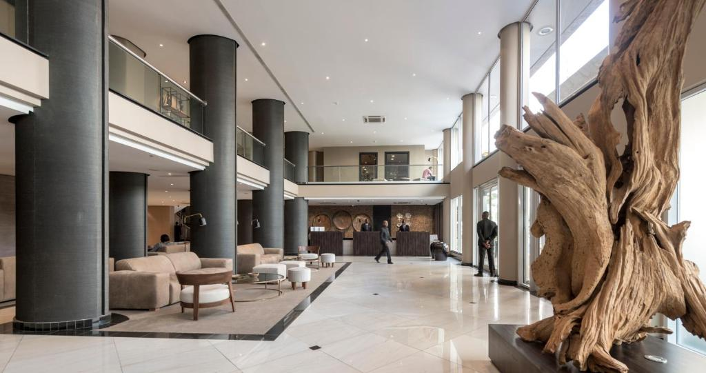 The lobby or reception area at Hotel Avenida