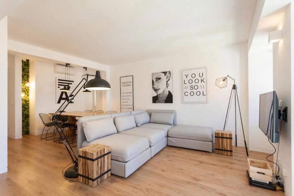 A seating area at Chiado Best Apartment Duplex