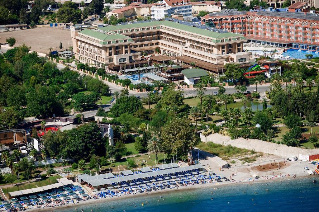 Crystal De Luxe Resort & Spa с высоты птичьего полета