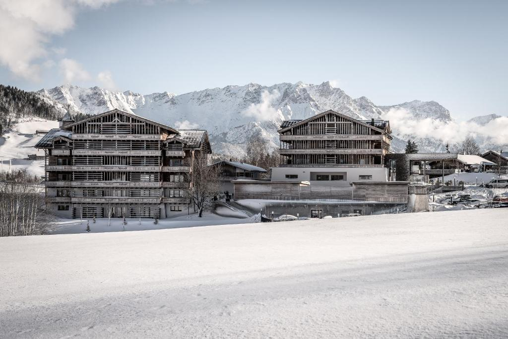 Puradies Hotel & Chalets during the winter