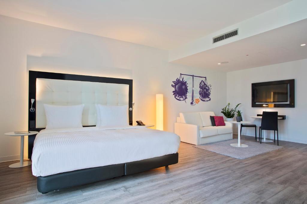 A room at INNSIDE by Meliá Frankfurt Ostend