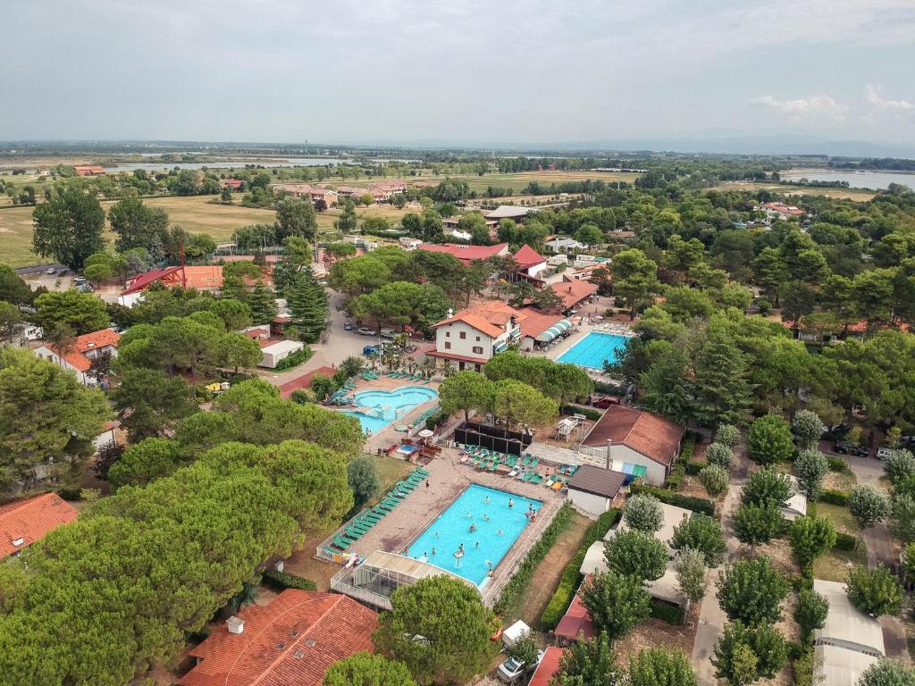Uma vista aérea de Residence Punta Spin