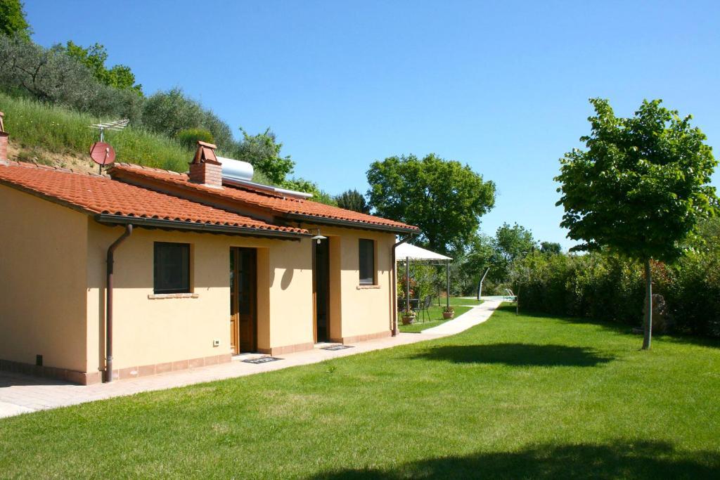 A garden outside Casa Cervognano