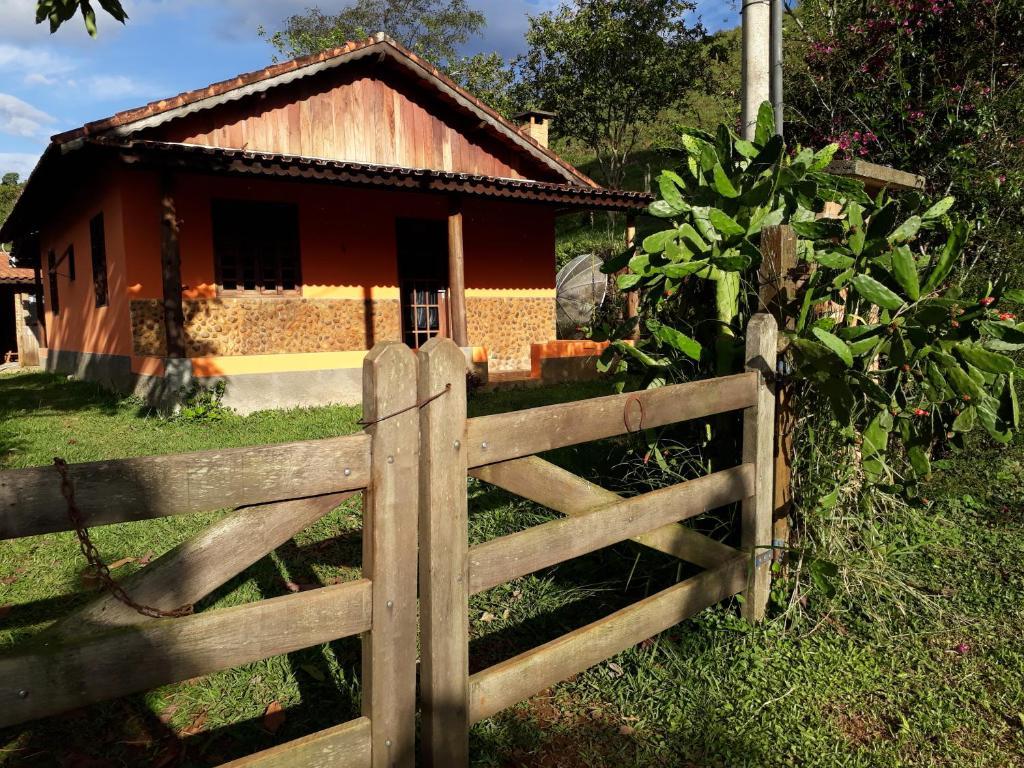 Casa de temporada Casa Aconchegante no Campo (Brasil Resende ...