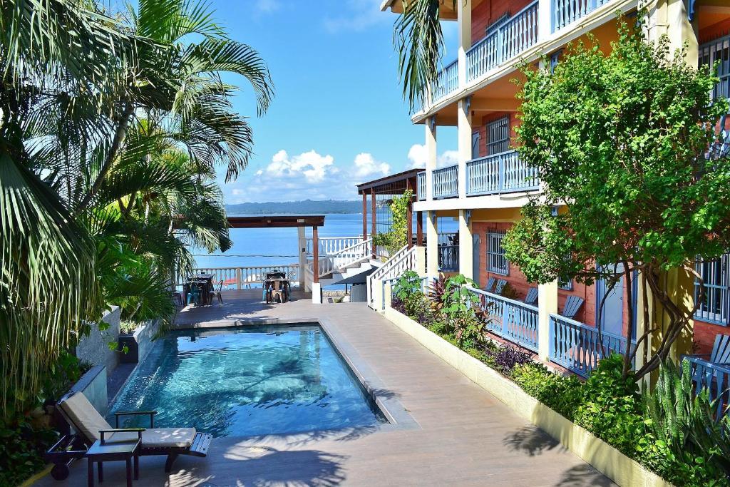 The swimming pool at or near Hotel Casona de La Isla