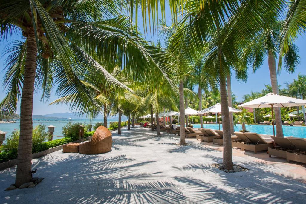 Diamond Bay Resort & Spa