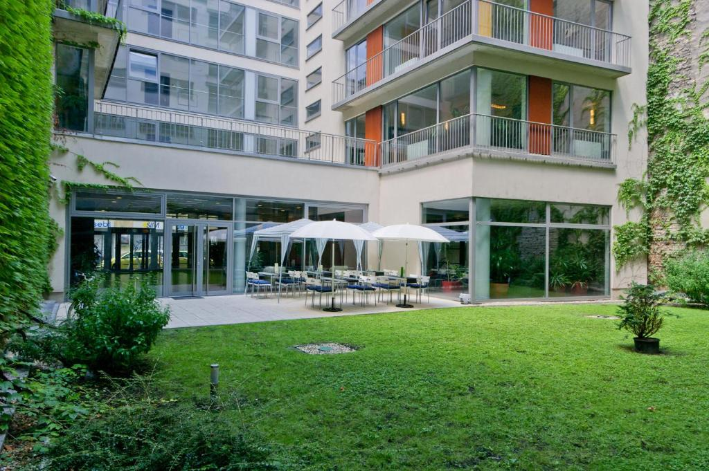 Ease Point Apartments