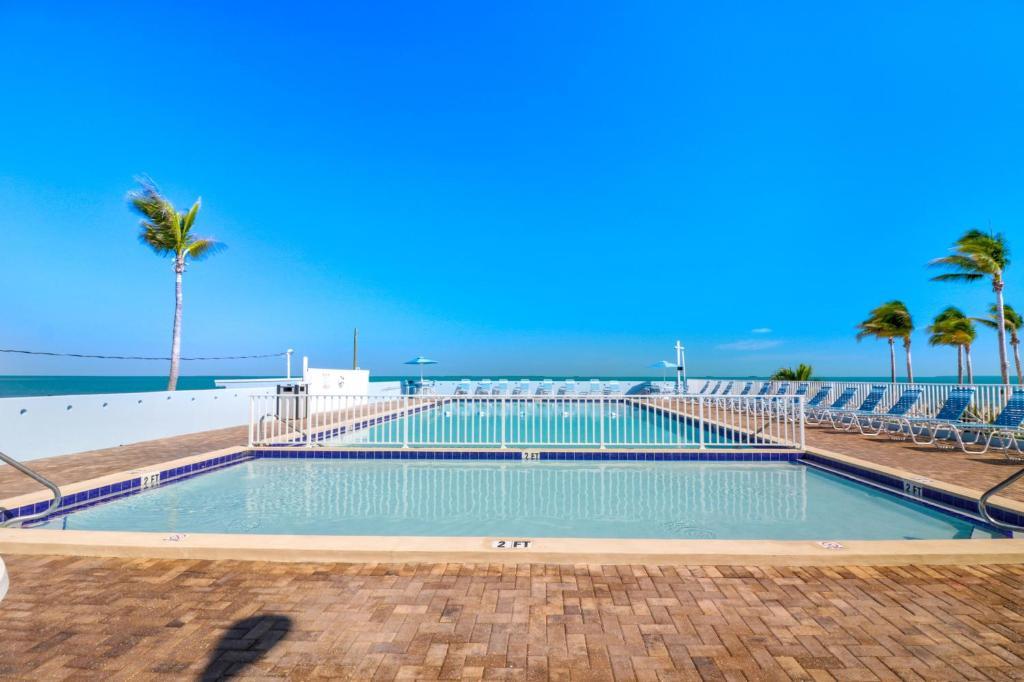 Fiesta Key RV Resort Waterfront Cottage 42