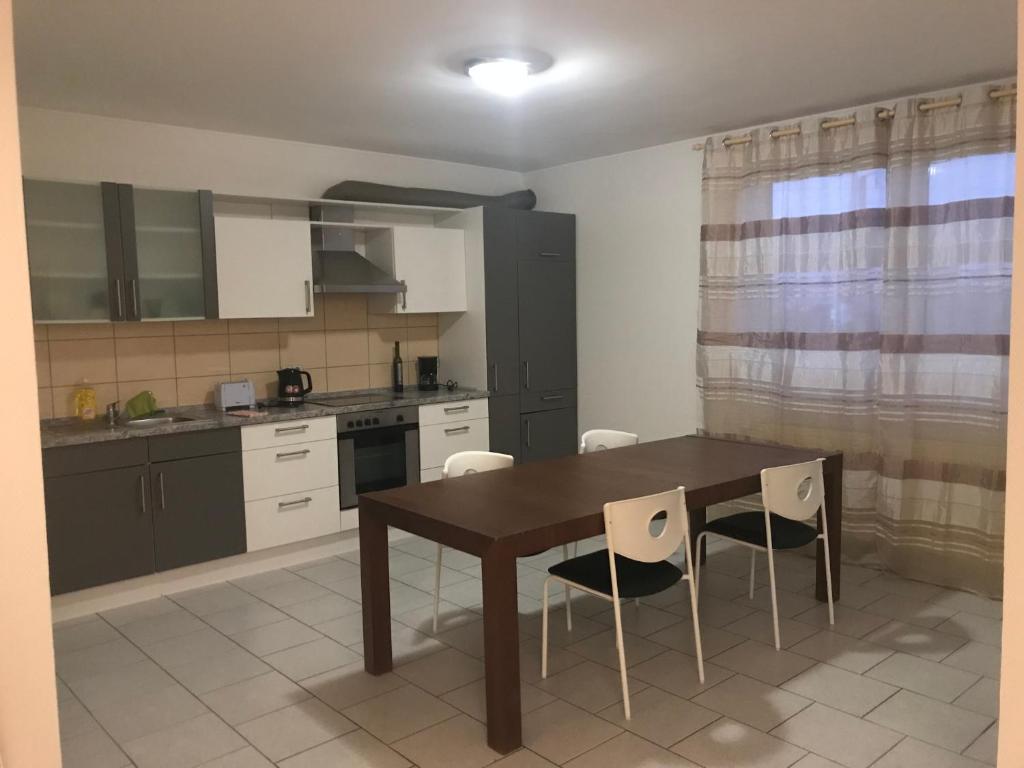 Küche/Küchenzeile in der Unterkunft Chambre Luxembourg (Cessange)