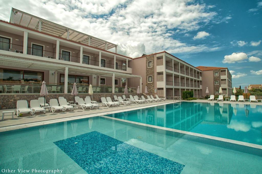 The swimming pool at or close to Arty Grand Hotel