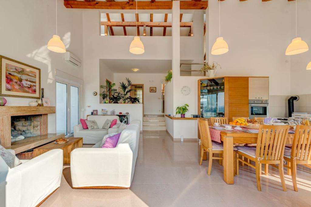 Holiday House Mia