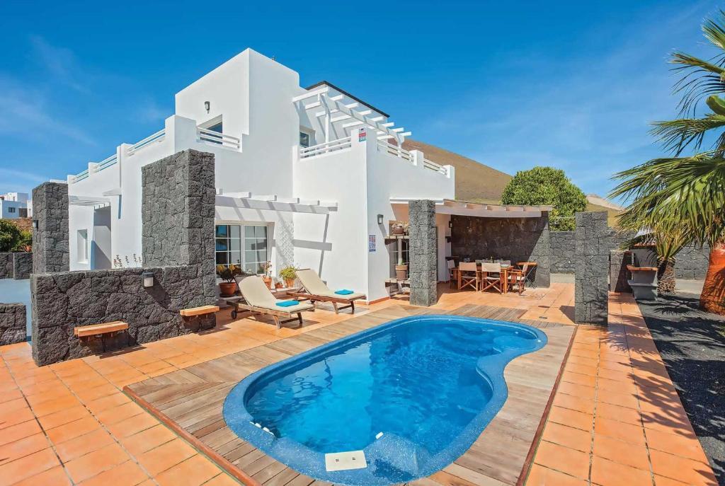 Villa Conil, Tías, Spain - Booking.com