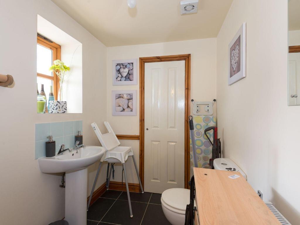 A bathroom at Big Bear Lodge, Oswestry