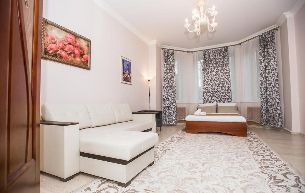 A seating area at Kutuzovskiy Prospect 26 Apartment