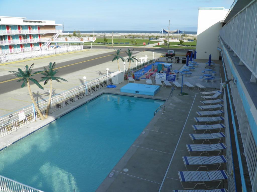 A view of the pool at Cara Mara Motel Resort or nearby
