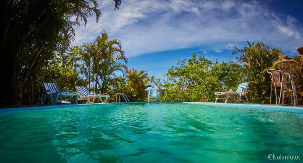 A piscina localizada em Pousada Watu Kerere ou nos arredores