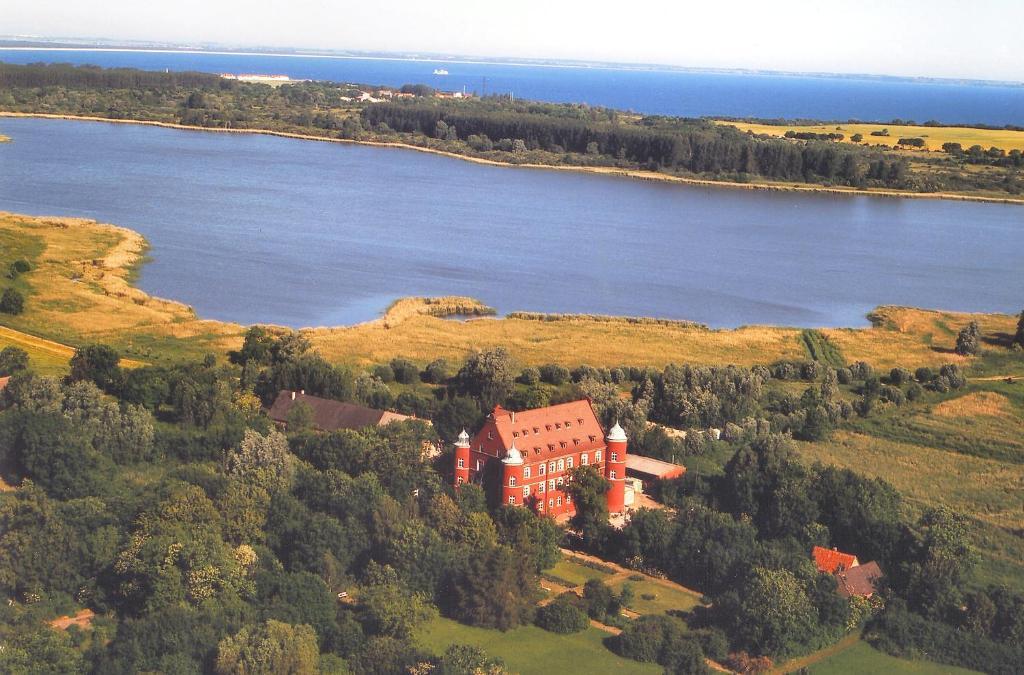 A bird's-eye view of Hotel Schloss Spyker