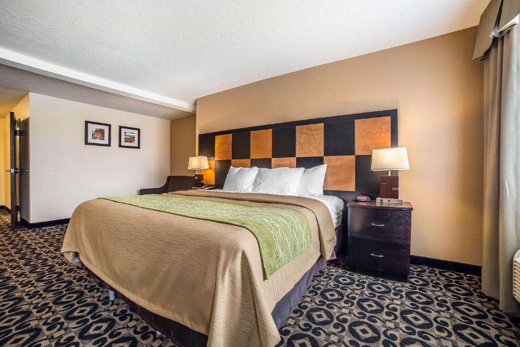 Tremendous Comfort Inn Ballard Roosevelt Ut Booking Com Gmtry Best Dining Table And Chair Ideas Images Gmtryco