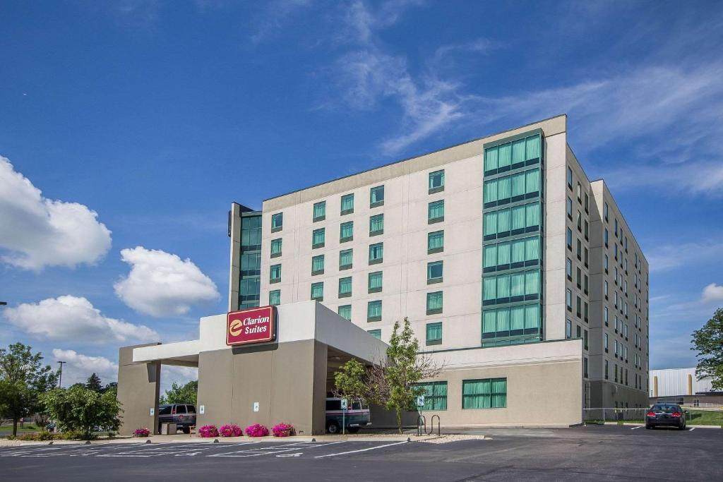 Clarion Suites at The Alliant Energy Center.