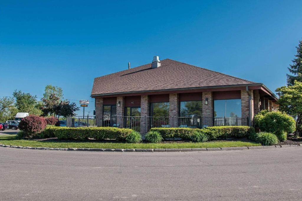 Zgradba, v kateri se nahaja motel
