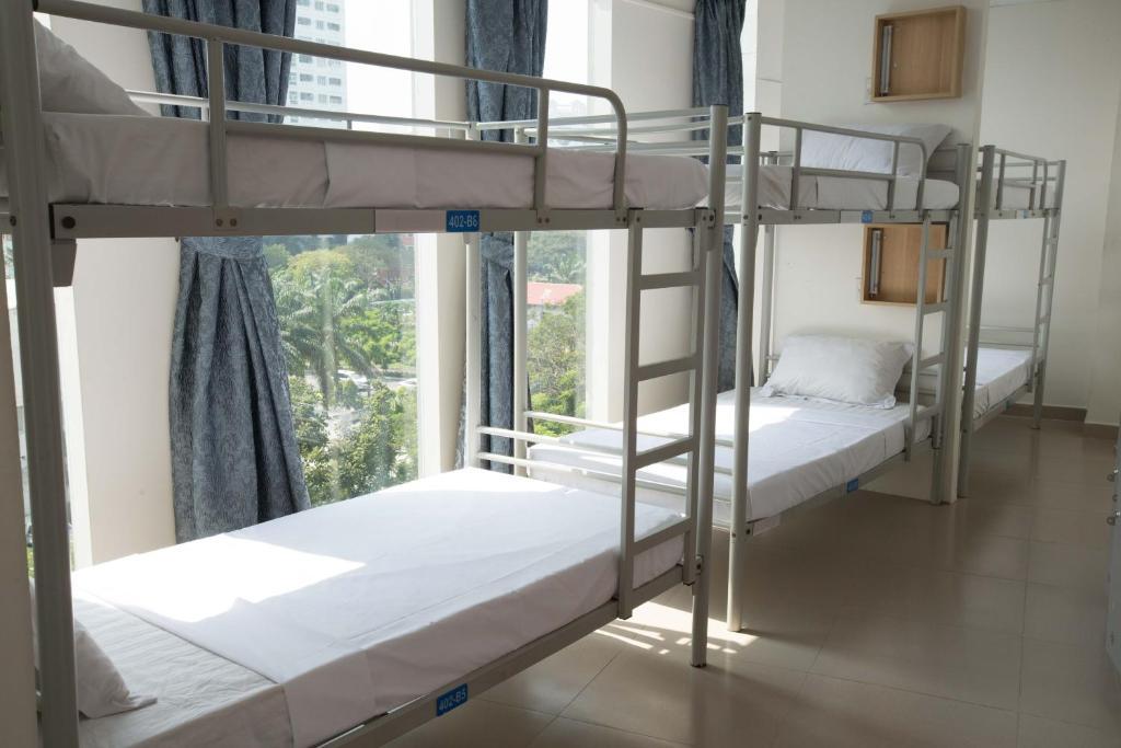 Giường Trong Phòng Ngủ Tập Thể Cho Nam Lẫn Nữ 12 Giường