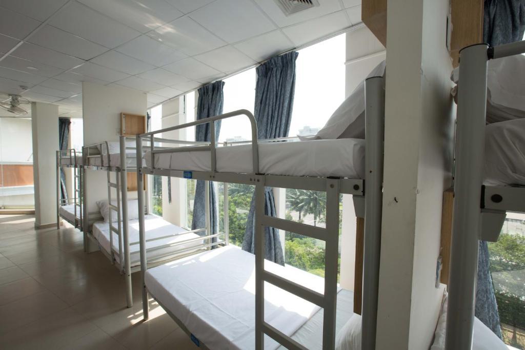Phòng Ngủ Tập Thể 12 Giường Dành Cho Nữ