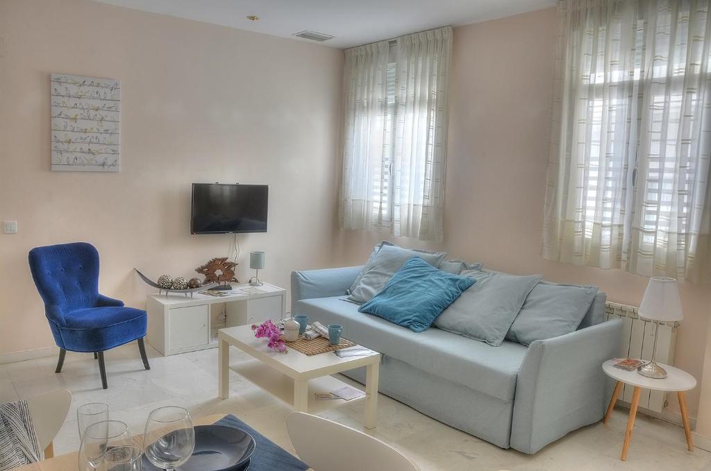 Astounding Sevilla Butterfly Suites Seville Spain Booking Com Ncnpc Chair Design For Home Ncnpcorg