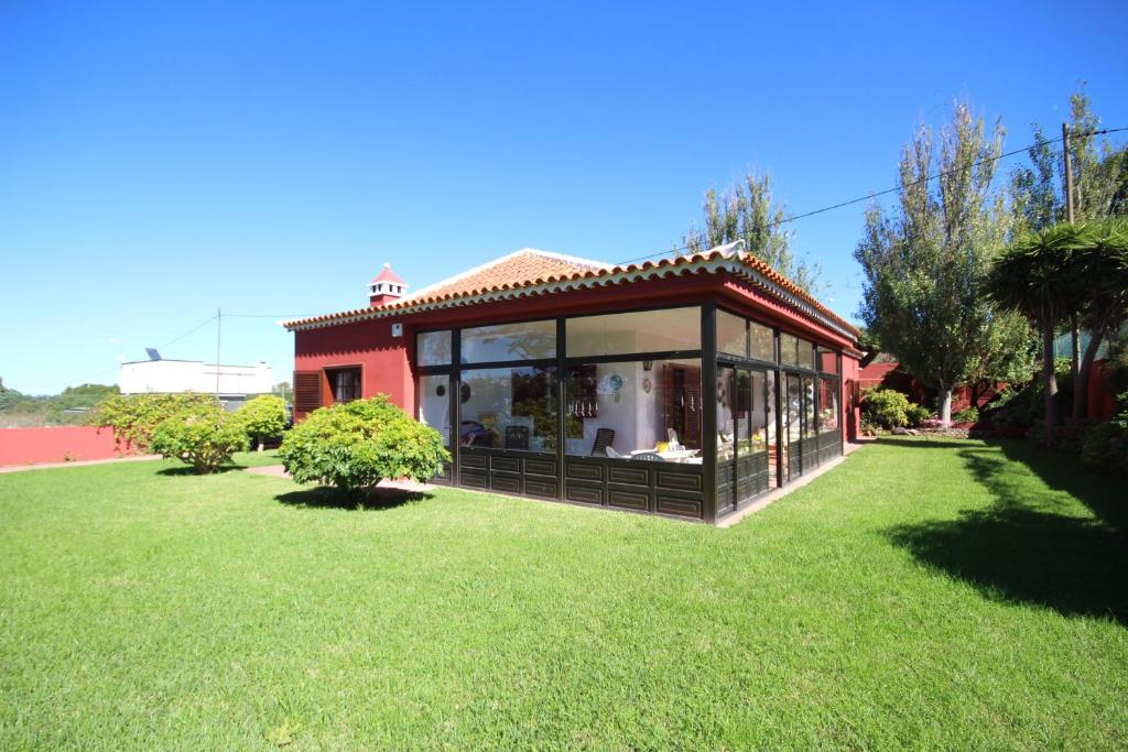 Vacation Home Casa Golf Sunrises, Tacoronte, Spain - Booking.com