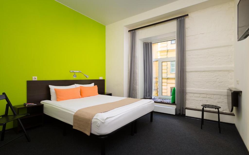 Cama ou camas em um quarto em Station Hotel A1