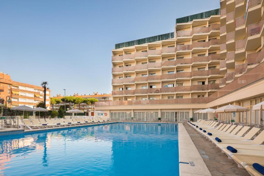 Hotel Htop Royal Beach Lloret De Mar Spain Booking Com