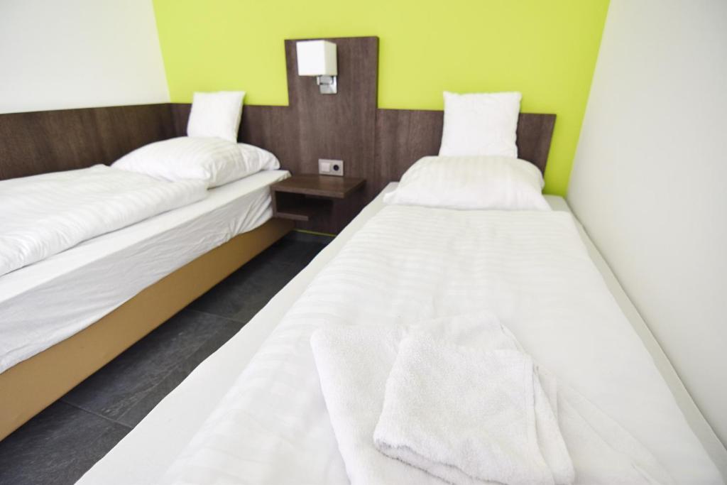 Deluxe Haus Glessen - Zentral zu Köln!房間的床