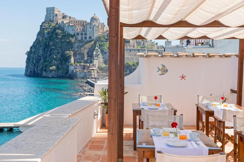 A restaurant or other place to eat at Villa Lieta