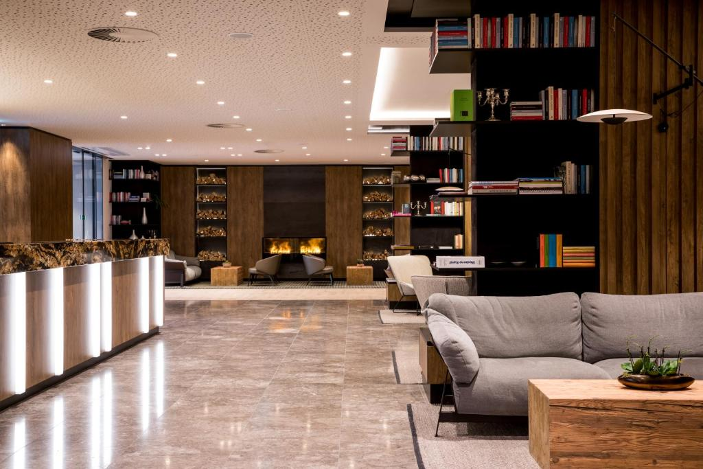 The lobby or reception area at AC Hotel by Marriott Innsbruck