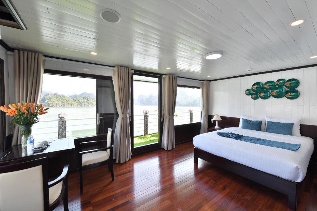 Suite Nhìn Ra Biển - Sân Hiên Riêng