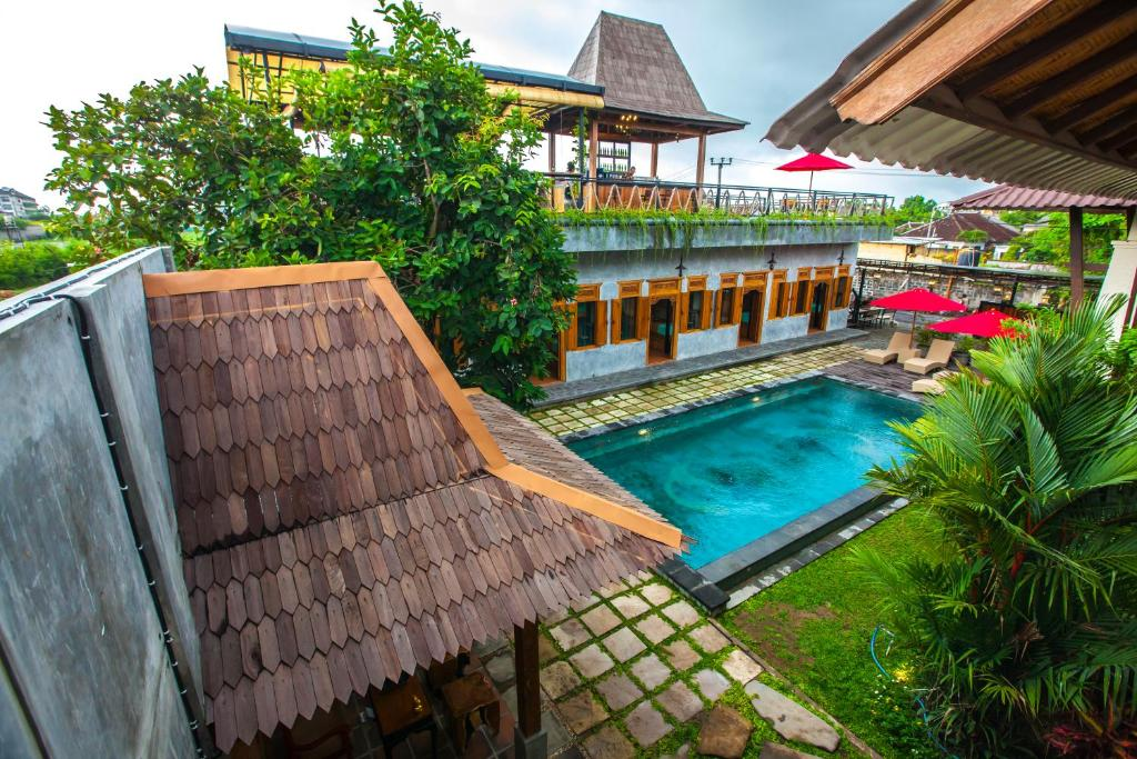 A view of the pool at Black Pearl Hostel or nearby