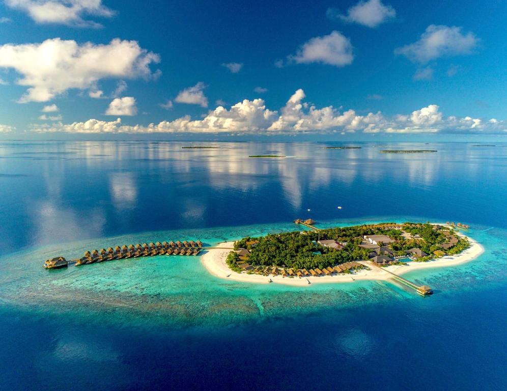 Kudafushi Resort & Spa, Raa Atoll, Maldives - Booking.com