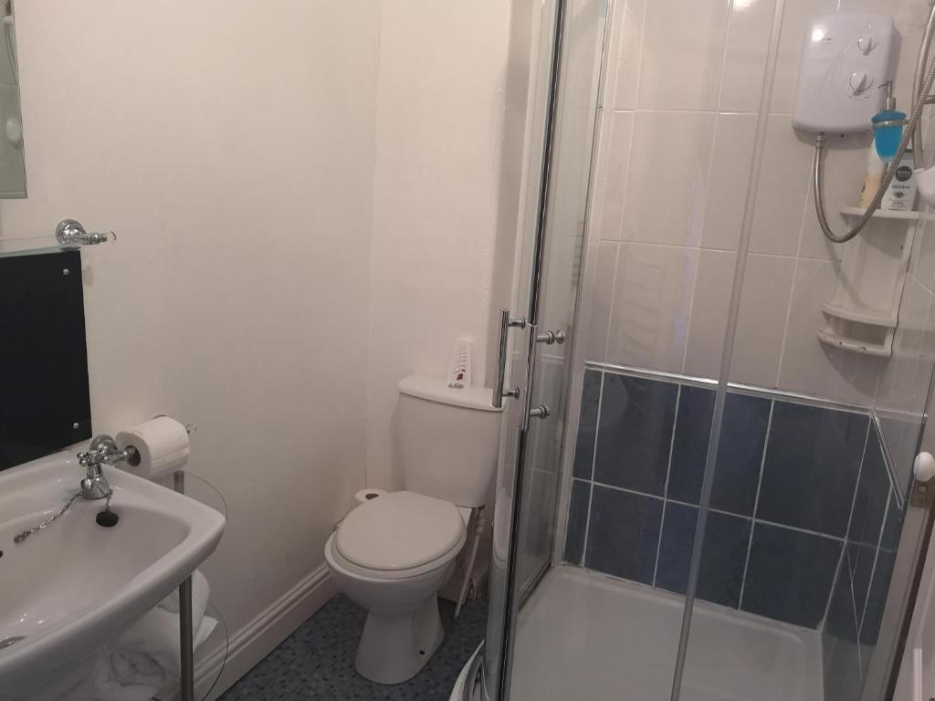 Un baño de East Mount House