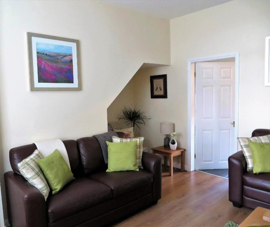 A seating area at Rock Cottage
