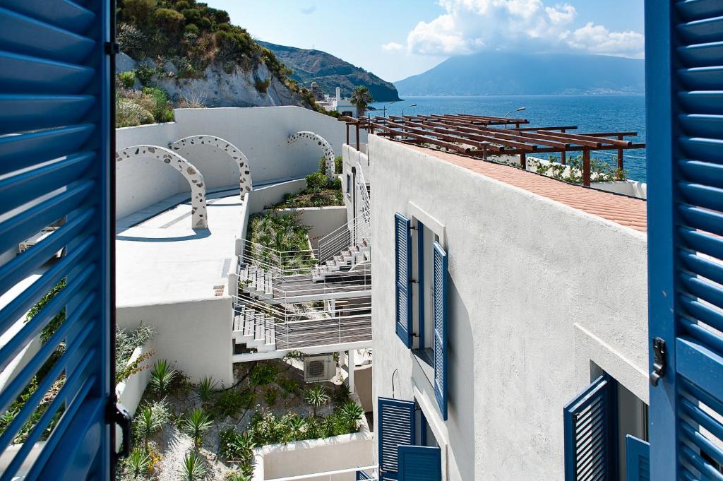 Condo Hotel Nerossidiana Acquacalda Italy Booking Com