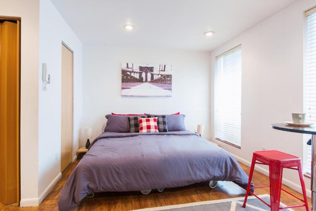 Budget new york gay friendly accommodation