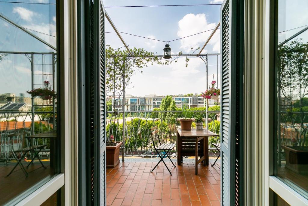 Apartment Mansarda Sui Navigli Con Terrazza Milan Italy