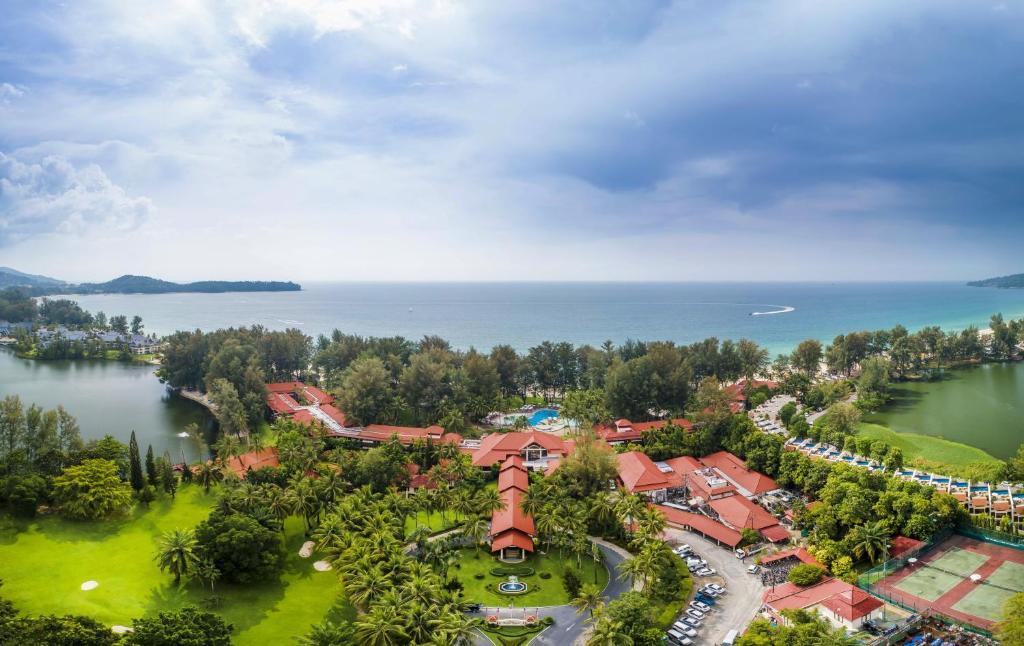 Et luftfoto af Dusit Thani Laguna Phuket