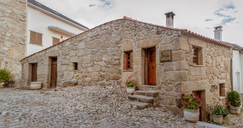 Casa de temporada Casa Abraao (Portugal Belmonte) - Booking.com