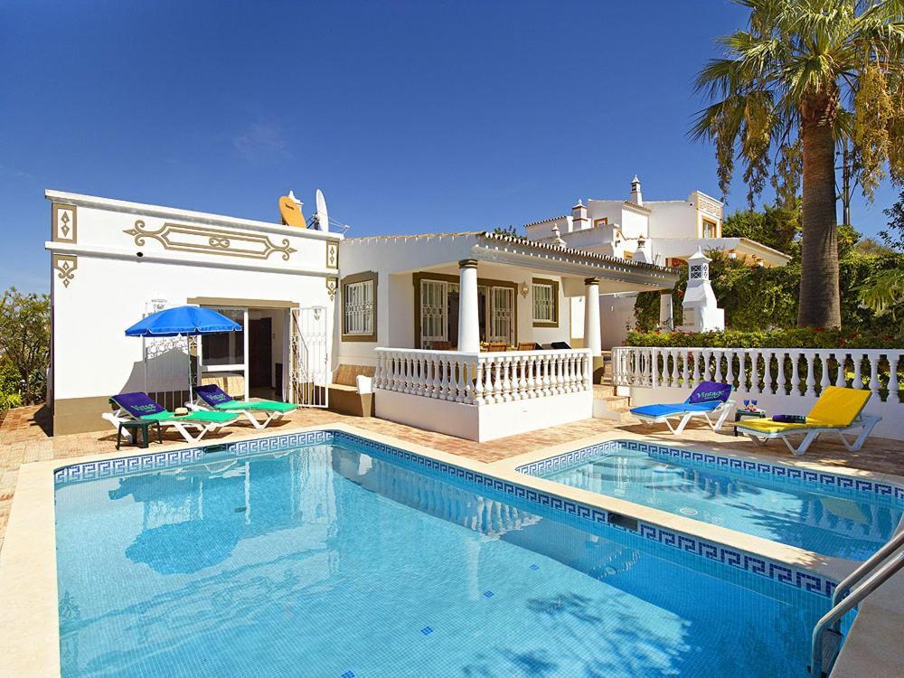 Guia Villa Sleeps 4, Portugal - Booking.com