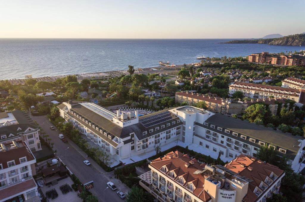 Een luchtfoto van Zena Resort Hotel