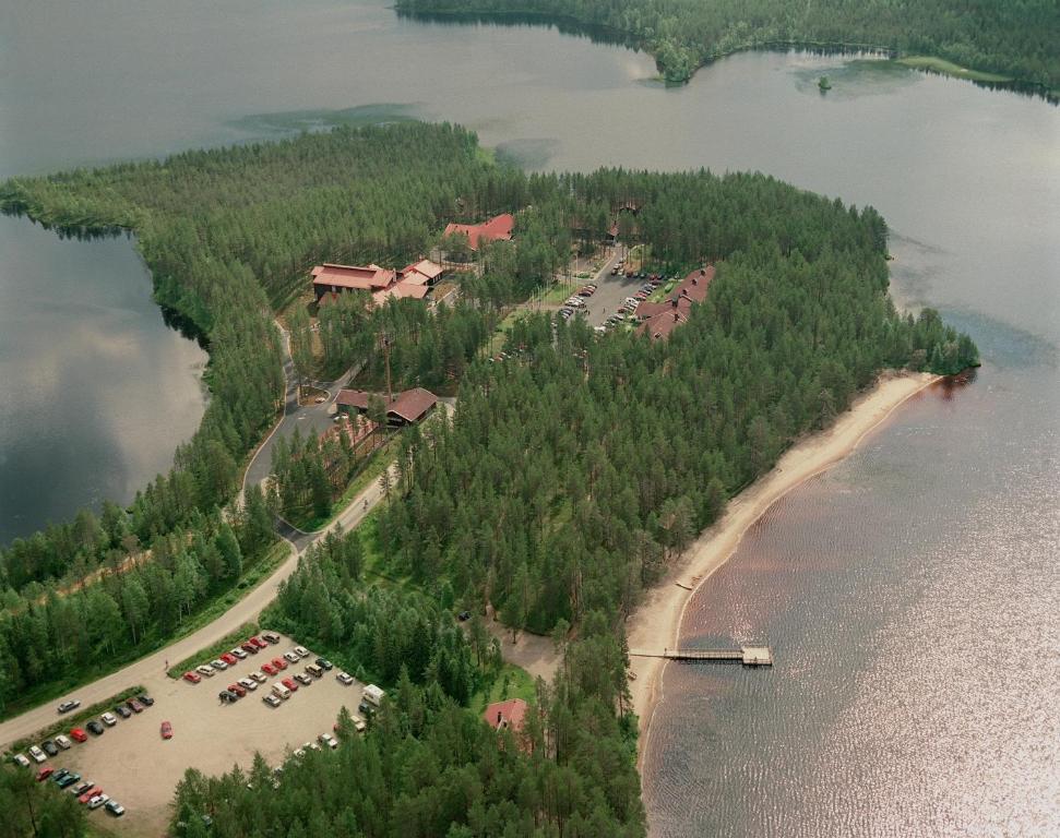 Majoituspaikan Metsäkartano Outdoor Centre kuva ylhäältä päin
