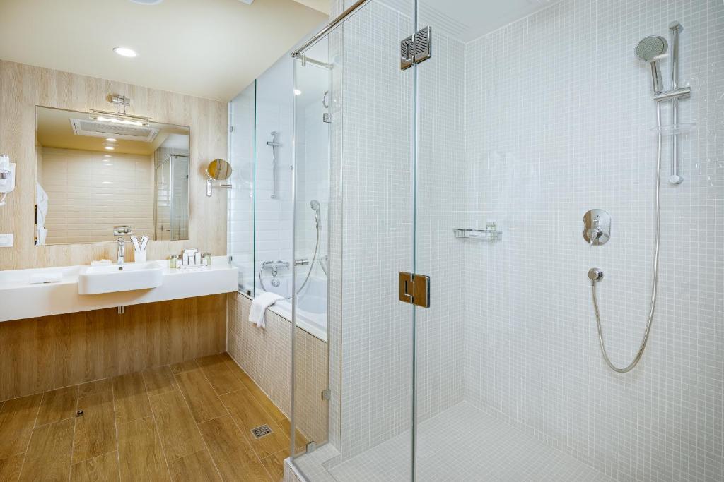 Ванная комната в Приморье Grand Resort Hotel